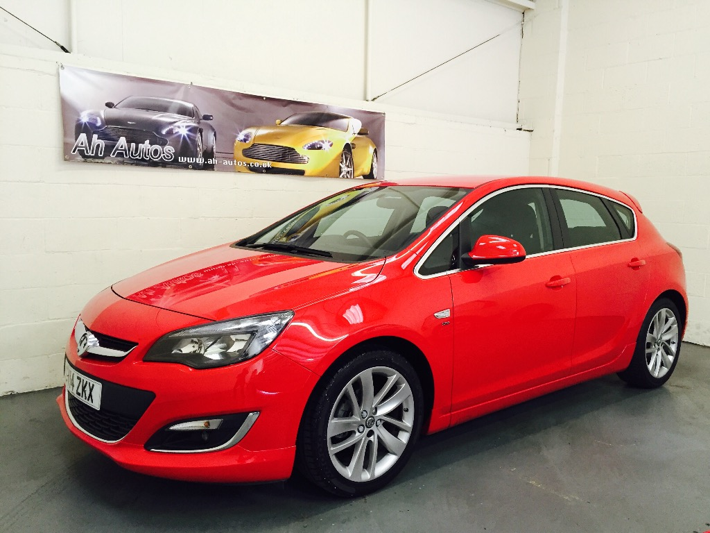Red Vauxhall ASTRA
