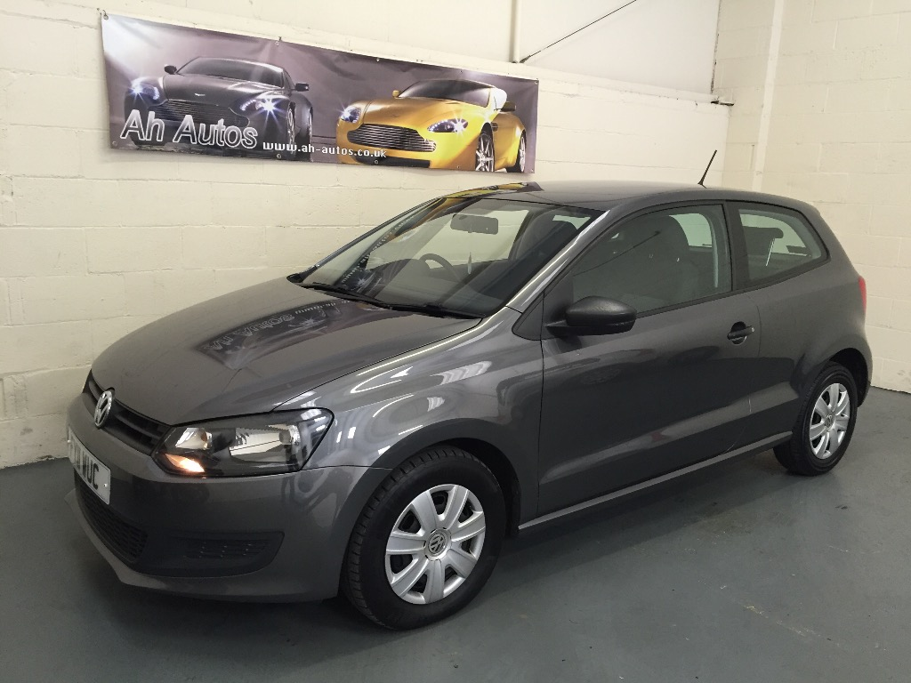 Grey Volkswagen POLO