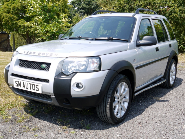 Metallic silver Land-Rover Freelander