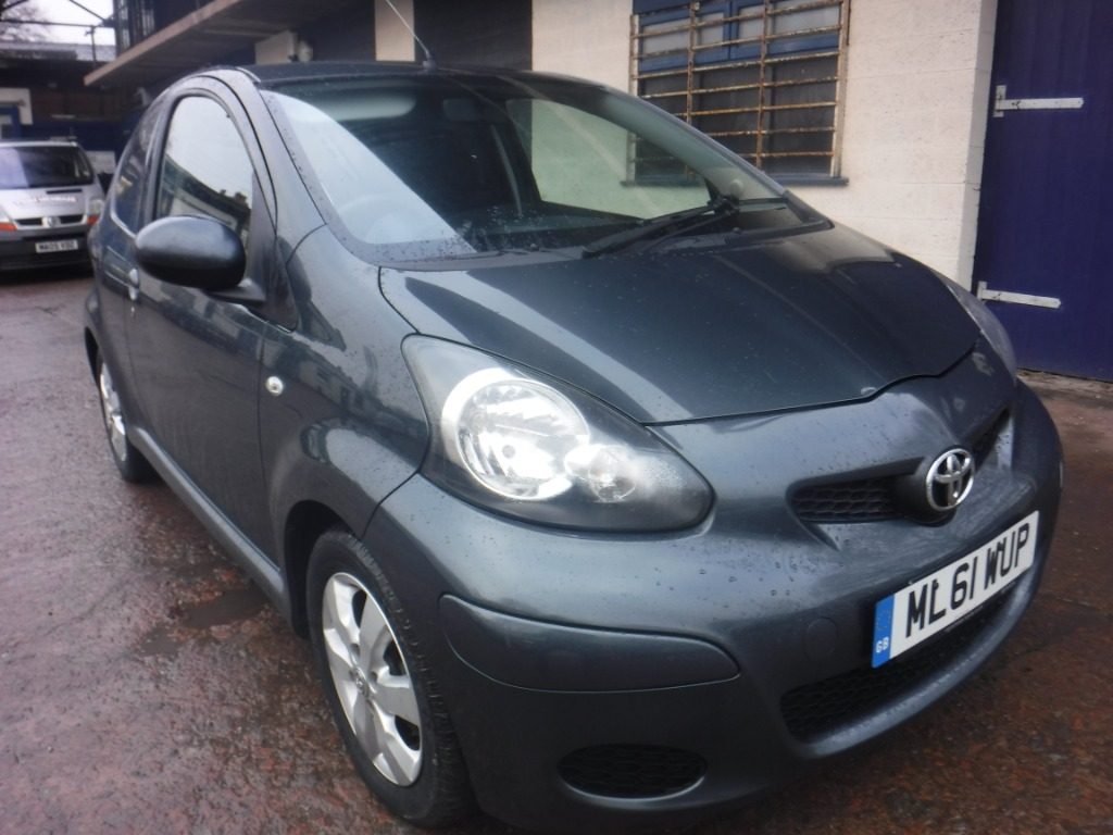 ToyotaAYGO WITH SAT NAV